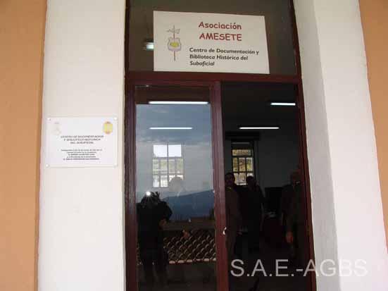 Entrada al Centro de Documentación y Biblioteca Histórica del Suboficial.
