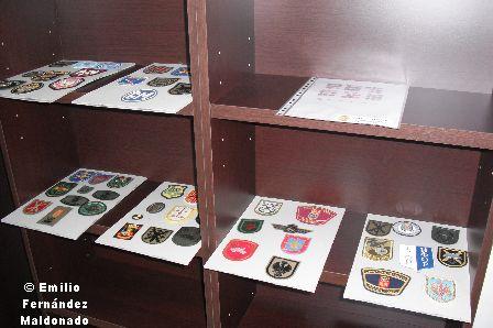 Detalle de los escudos donados por el socio Varela Patón.